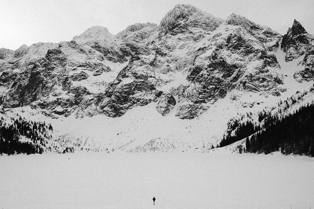 Jak dojść na Morskie Oko zimą?